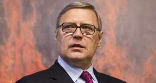 Russian opposition figure and former Prime Minister Mikhail Kasyanov speaks during a news conference last year in Moscow.