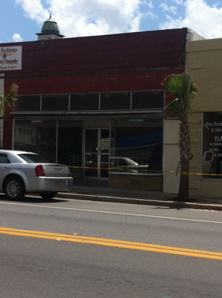 "Not all downtown businesses are back ""in business"" in Live Oak"