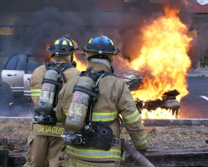 """Firefighters extinguish an Ocala car fire"""
