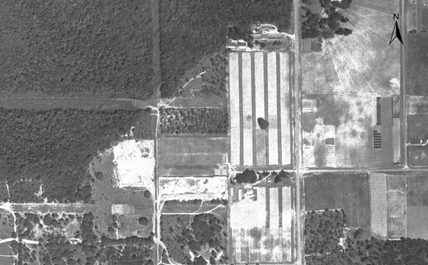 The area west of the University of Florida near Southwest 34th Street in 1964. Click the right arrow to see the area during the proceeding four decades.