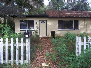 Mason Scott Beuning lived at 3119 NW Fourth St. at the time of his arrest, according to an arrest report from the Gainesville Police Department. Beuning's roommates moved out the house after his arrest leaving the residence currently vacant.