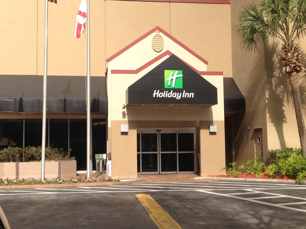 Gainesville Holiday Inn entrance