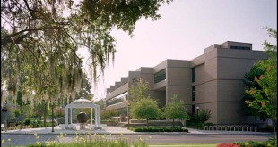 The Gainesville Regional Utilities administration building is located at 301 SE 4th Ave. in Gainesville. (WUFT News)