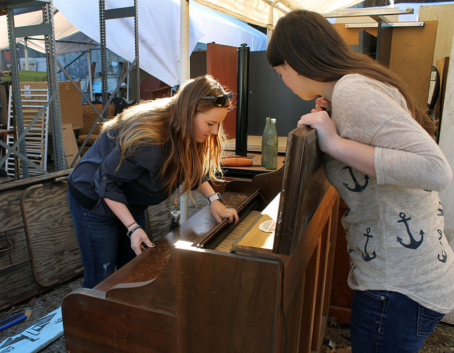 Shelby Smith, a 20-year-old education major, and Annah Newton, a 14-year-old aspiring singer, spend a Saturday searching for lost treasures. Smith purchased the piano for $50.