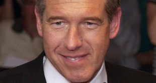 Brian Williams arrives on the red carpet of the White House Correspondents Dinner on May 9, 2009.