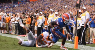 Trailing Tennessee 27-14 with 10 minutes remaing in the game, Florida puts together an 86-yard drive that ends with Florida wide receiver Brandon Powell (4) scoring a touchdown. This made the score 27-21 with 4:09 left to play.