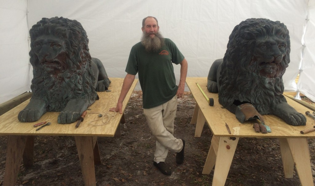 Tom Thomas and his lions — before he began restoration work. (Aaron Abell/WUFT News)