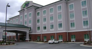 A Holiday Inn Express and Suites in Valdosta, Georgia. (Photo courtesy Michael Rivera/Wikimedia Commons)