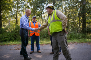Governor Rick Scott visits Talquin Electric employees working to bring power and utilities back to homes and businesses in Wakulla County following Hurricane Hermine. (Photo courtesy Rick Scott's communications office)