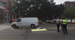University Ave. remains shutdown due to a crash at 17 St. (Photo by Delaney Kline/WUFT News).